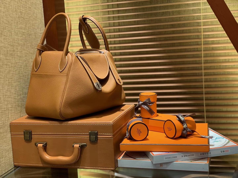 Hermès(爱马仕)Lindy琳迪包 金色 德国进口togo牛皮 全手工缝制 银扣 30cm