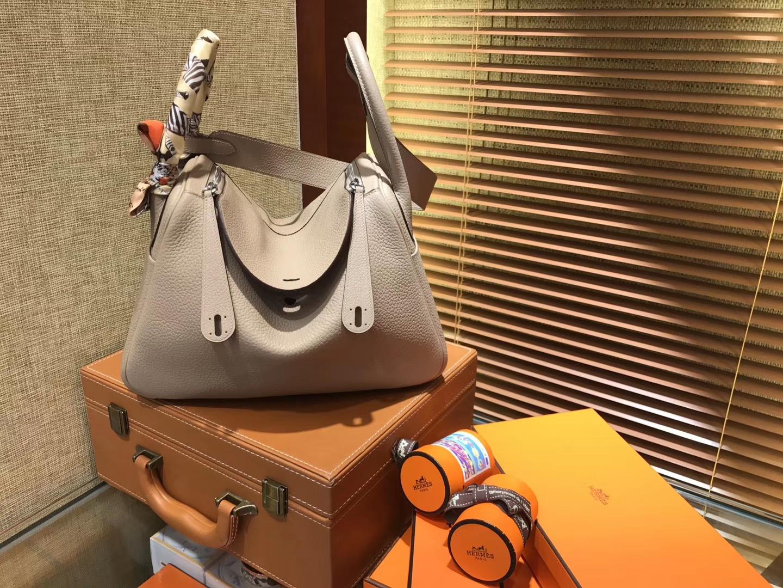Hermès(爱马仕)Lindy琳迪包 风衣灰 德国进口togo牛皮 全手工缝制 银扣 30cm