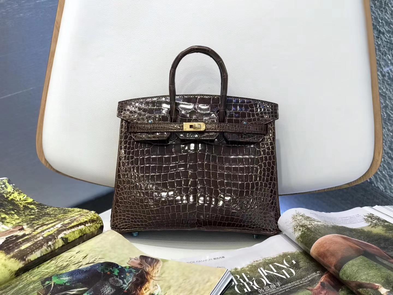 Hermès(爱马仕)Birkin铂金包 深咖啡色 亮面鳄鱼 金扣 25cm