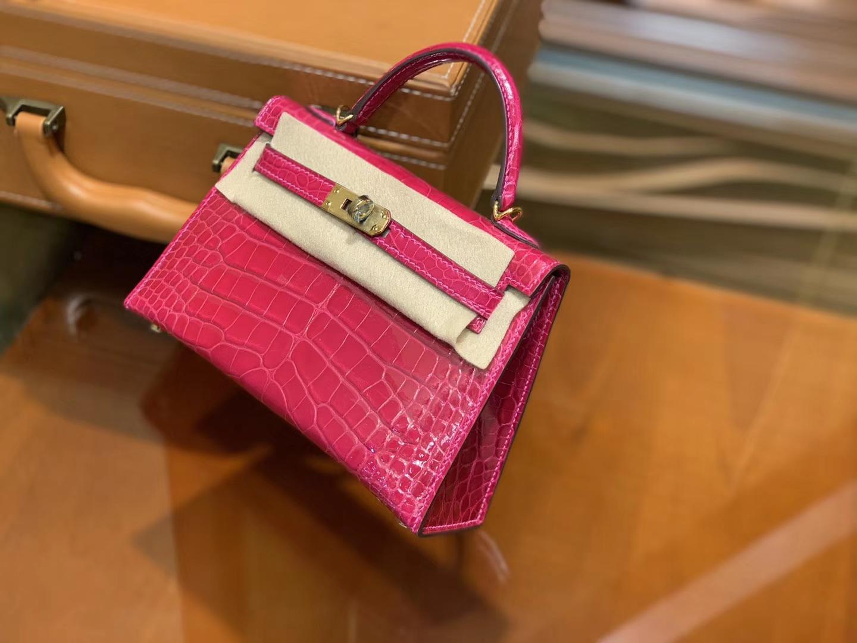 Hermès(爱马仕)Mini Kelly 玫红色 一级美洲鳄鱼皮 全手工缝制 臻品级别 金扣 19cm 2代