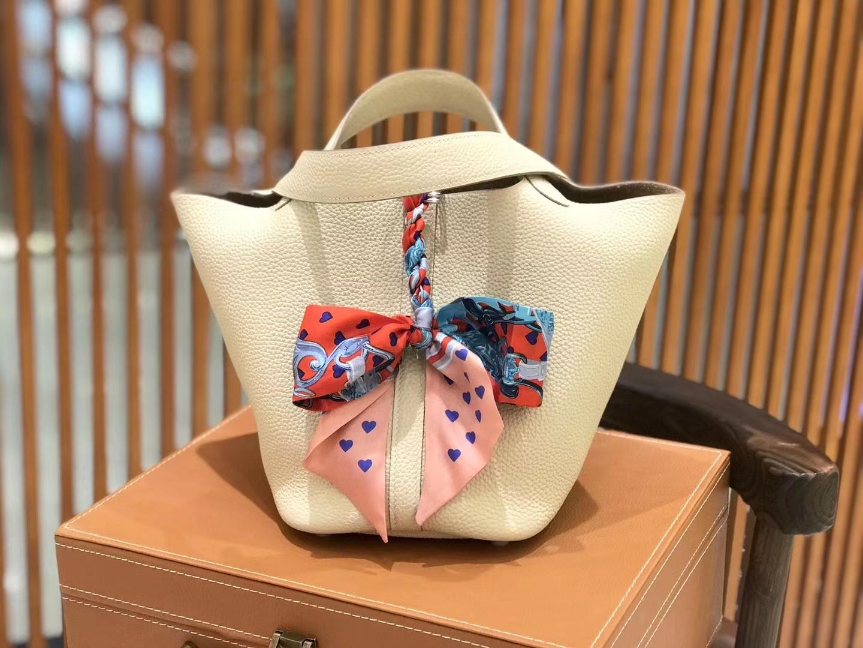 Hermès(爱马仕)新增现货 Picotin 菜篮子 奶昔白 全手工蜡线缝制 银扣 18cm