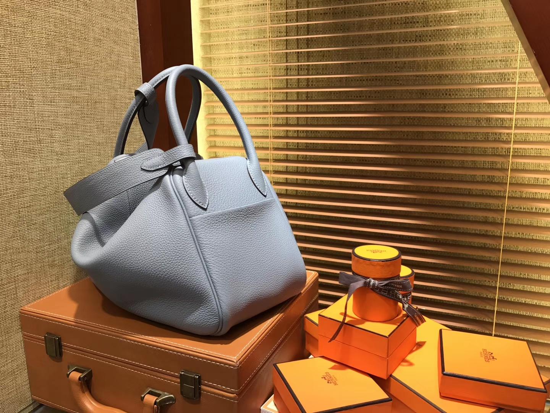 Hermès(爱马仕)Lindy琳迪包 亚麻蓝 德国进口togo牛皮 全手工缝制 银扣 30cm