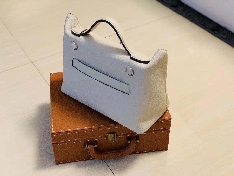Hermès(爱马仕)Kelly-2424 奶昔白 原厂御用顶级小牛皮拼Swift皮 togo 银扣 29cm