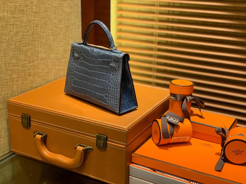Hermès(爱马仕)Mini Kelly 牛仔蓝 一级美洲鳄鱼皮 全手工缝制 臻品级别 银扣 19cm 2代