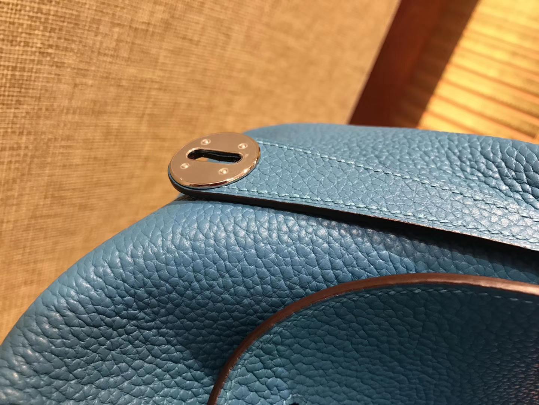 Hermès(爱马仕)Lindy琳迪包 湖水蓝 德国进口togo牛皮 全手工缝制 银扣 30cm
