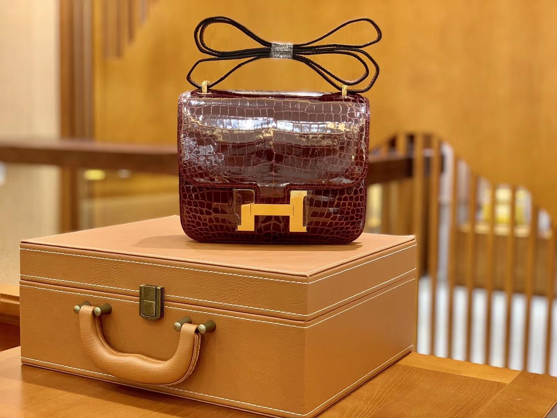 Hermès(爱马仕)Constance 空姐包 波尔多酒红 一级皮 湾鳄 倒V 顶端级别 臻品级别 金扣 18cm
