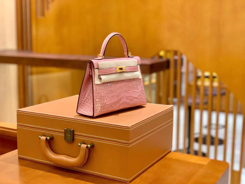 Hermès(爱马仕)Mini Kelly 迷你凯莉 樱花粉 亮面鳄鱼 一级 顶端级别 美洲 臻品级别 金扣 19cm