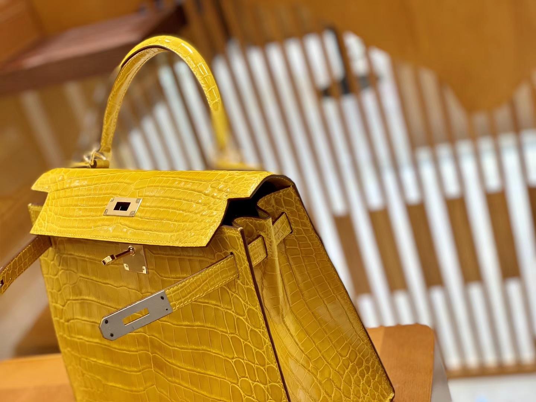 Hermès(爱马仕)Kelly 凯莉包 琥珀黄 一级皮 尼罗鳄鱼皮 臻品级别 顶级手缝工艺 金扣 28cm