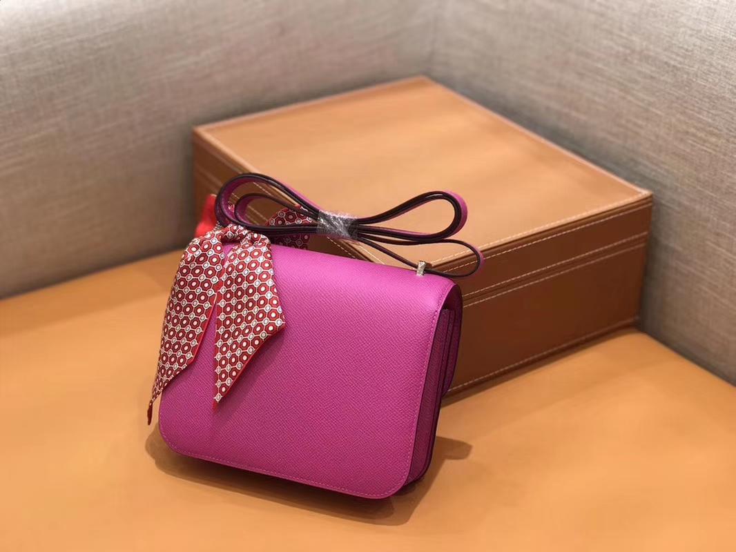 Hermès(爱马仕)Constance 空姐包 玉兰粉 Epsom掌纹小牛皮 臻品级别 金扣 18cm