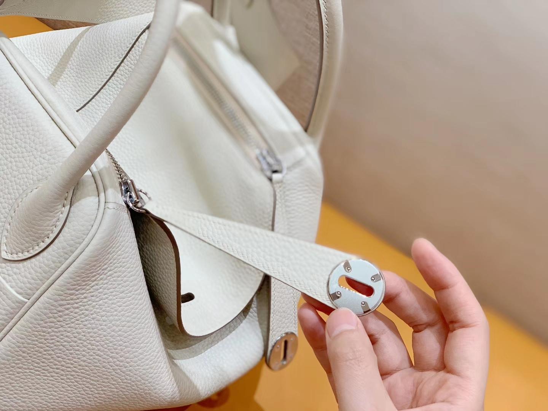 Hermès(爱马仕)Lindy 琳迪包 奶昔白 Togo进口牛皮 全手工缝制 银扣 30cm 现货