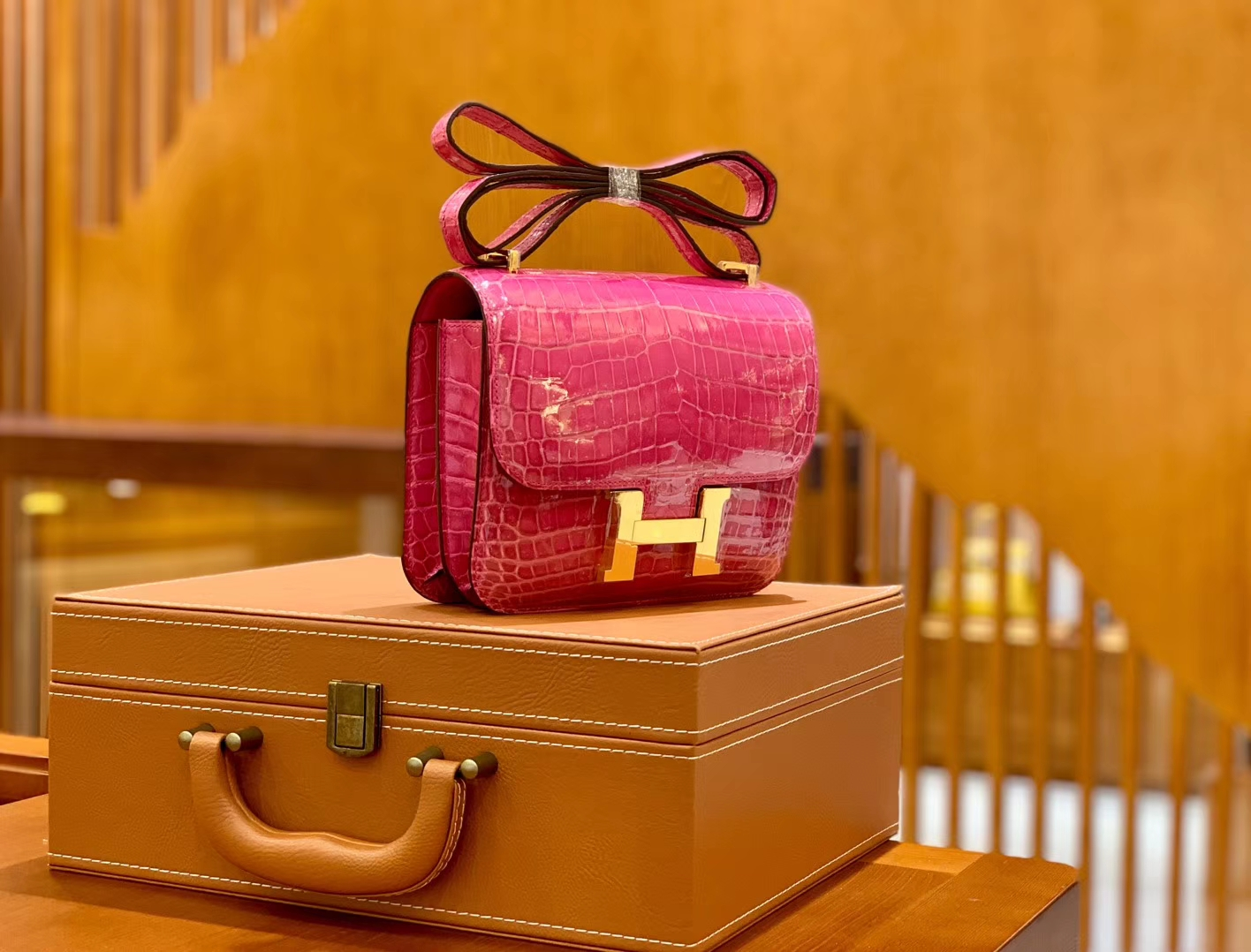 Hermès(爱马仕)Constance 空姐包 桃红 一级皮 尼罗鳄 顶端级别 臻品级别 金扣 18cm