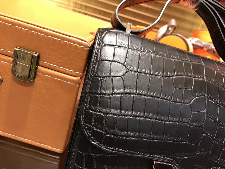 Hermès(爱马仕)Constance 空姐包 黑色 一级鳄鱼皮 尼罗鳄 原版蜜蜡线 珐琅扣 23cm