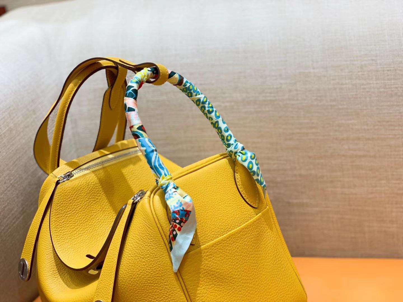Hermès(爱马仕)Lindy 琳迪包 琥珀黄 Togo进口牛皮 全手工缝制 银扣 30cm 现货