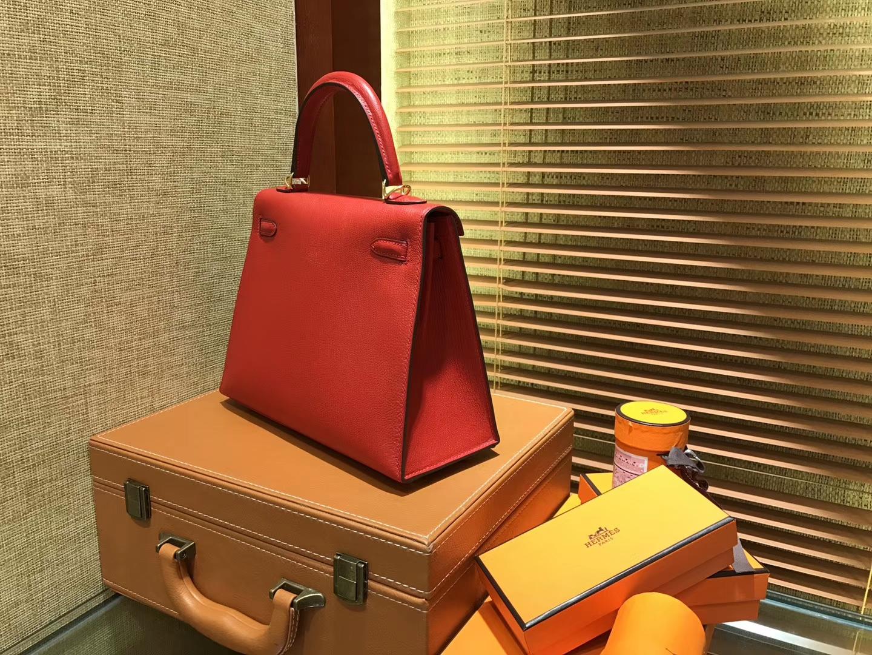Hermès(爱马仕)Kelly 凯莉包 蕃茄红 原版山羊皮 全手缝蜡线 金扣 25cm