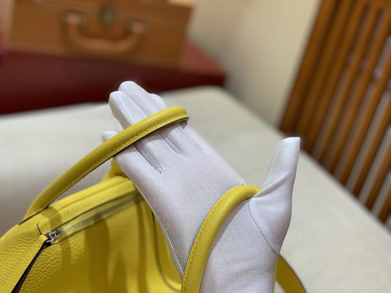 Hermès(爱马仕)Lindy 琳迪包 柠檬黄 Togo牛皮 进口原料 全手工缝制 银扣 26cm