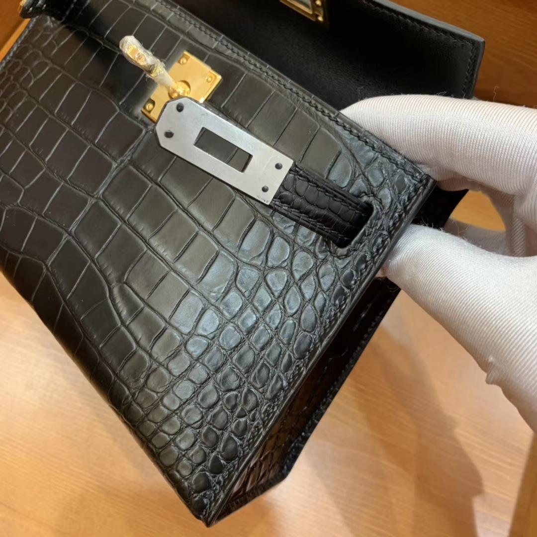 Hermès(爱马仕)mini Kelly 迷你凯莉 经典黑 一级美洲雾面鳄鱼皮 金扣 19cm