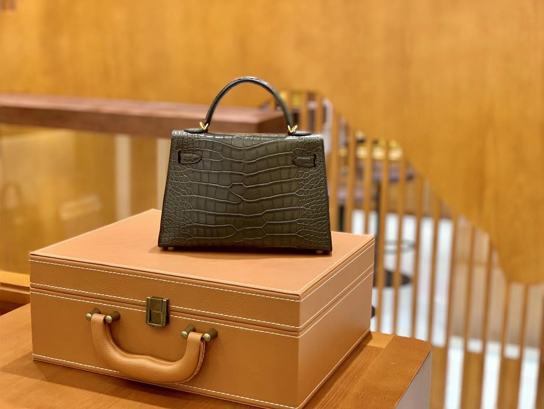 Hermès(爱马仕)Mini Kelly 迷你凯莉 森林绿 雾面鳄鱼 一级 顶端级别 美洲 臻品级别 金扣 19cm
