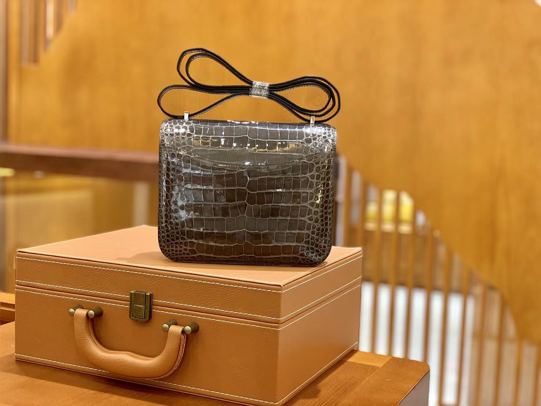 Hermès(爱马仕)Constance 空姐包 橄榄绿 一级皮 尼罗鳄 顶端级别 臻品级别 金扣 18cm