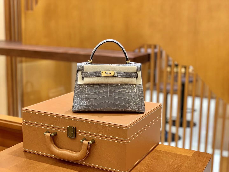 Hermès(爱马仕)Mini Kelly 迷你凯莉 巴黎灰 一级美洲鳄鱼皮 臻品级别 金扣 19cm