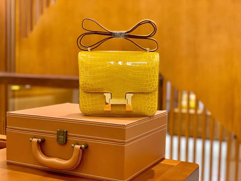 Hermès(爱马仕)Constance 空姐包 琥珀黄 一级皮 尼罗鳄 顶端级别 臻品级别 金扣 18cm