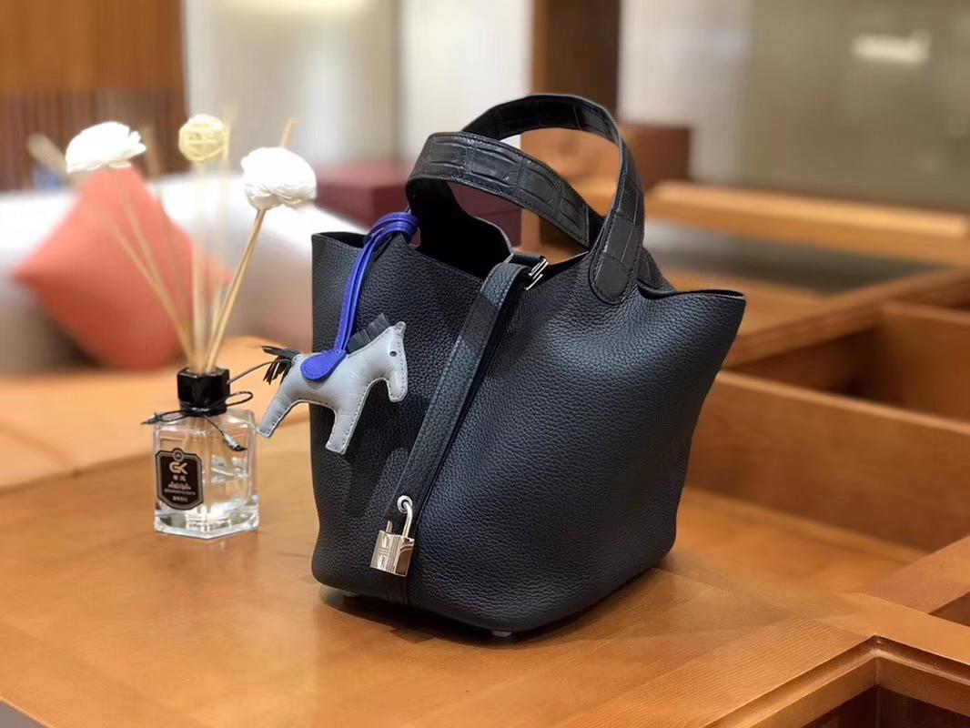 Hermès(爱马仕)Picotin 菜篮包 黑色 哑光鳄鱼皮拼TC皮 银扣 18cm