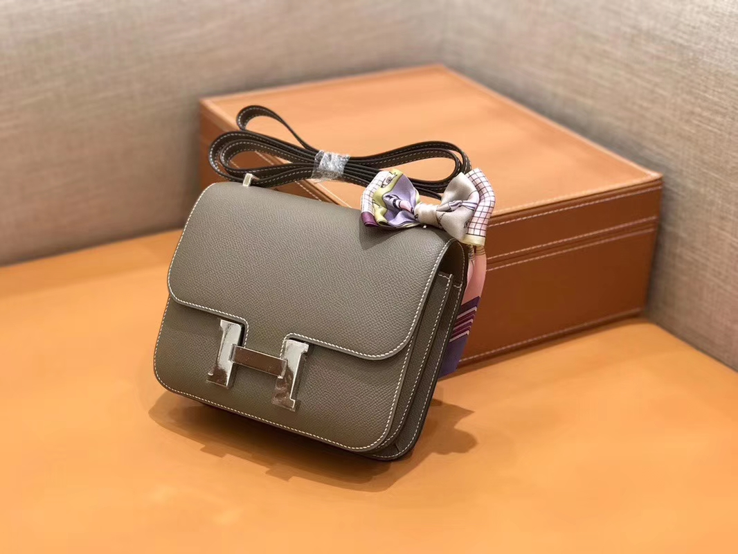 Hermès(爱马仕)Constance 空姐包 大象灰 Epsom掌纹小牛皮 臻品级别 银扣 18cm