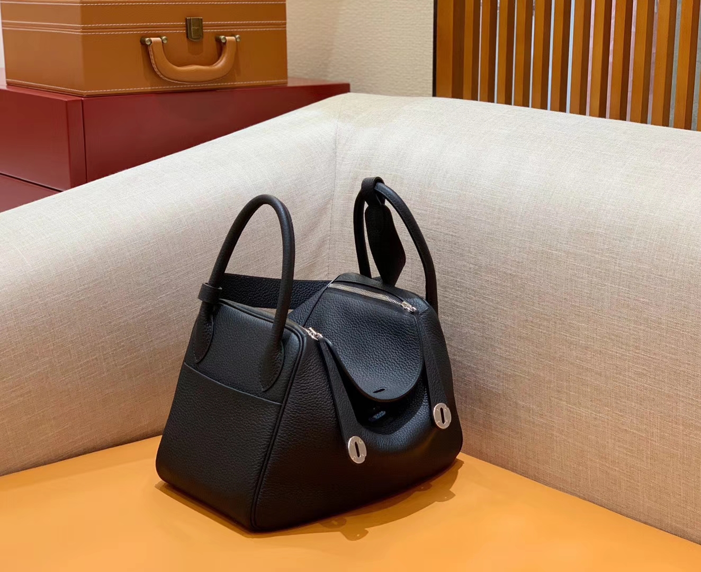 Hermès(爱马仕)Lindy 琳迪包 经典黑 Togo牛皮 进口 原料 蜡线手缝 银扣 30cm