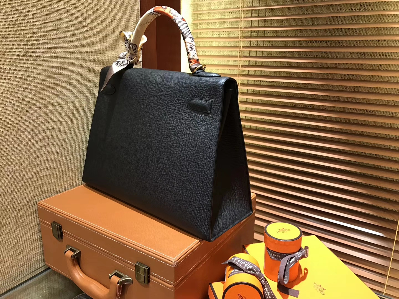 Hermès(爱马仕)Kelly 凯莉包 黑色 德国进口 Epsom掌纹牛皮 手缝蜡线 金扣 32cm