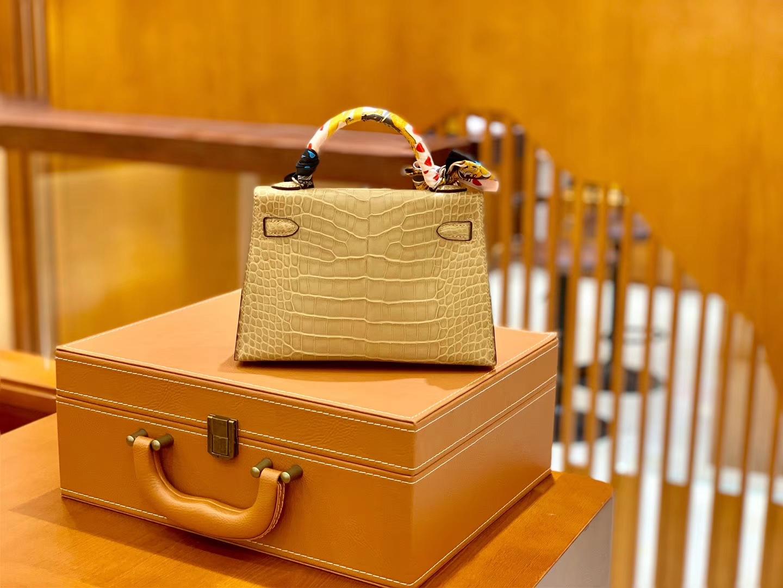 Hermès(爱马仕)Mini Kelly 迷你凯莉 奶茶色 雾面鳄鱼 一级 顶端级别 美洲 臻品级别 银扣 19cm