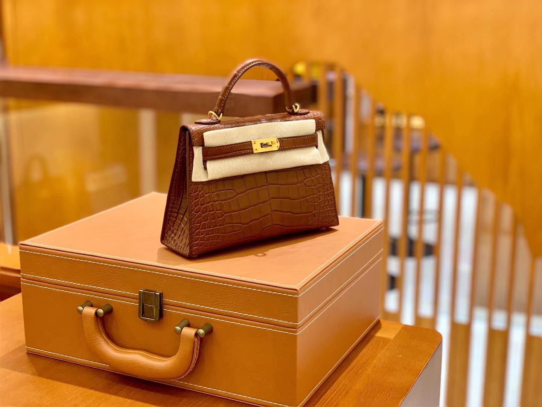 Hermès(爱马仕)Mini Kelly 迷你凯莉 焦糖棕色 雾面鳄鱼 一级 顶端级别 美洲 臻品级别 金扣 19cm