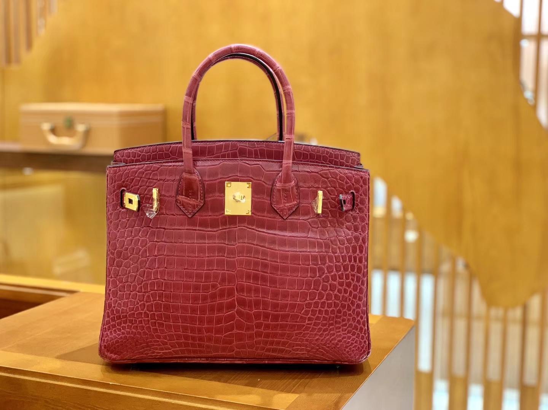 Hermès(爱马仕)Birkin 铂金包 石榴红 倒V 一级皮 湾鳄鱼皮 臻品级别 金扣 30cm