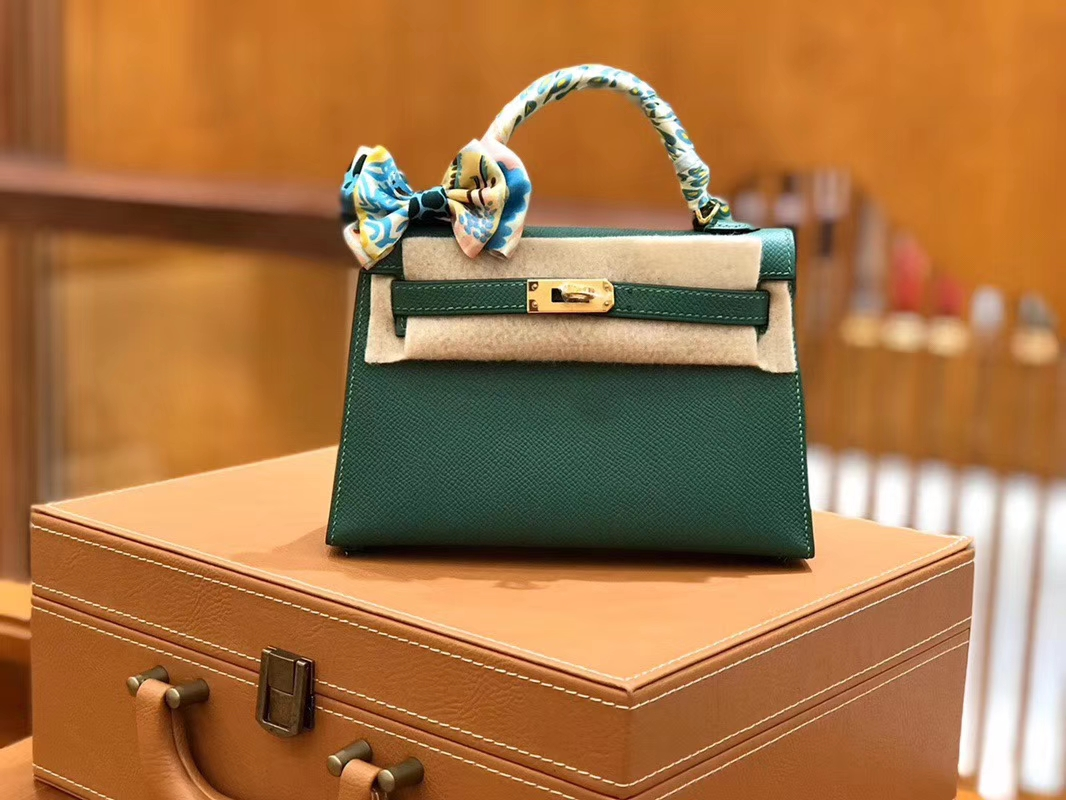 Hermès(爱马仕)Mini kelly 丝绒绿 掌纹小牛皮 全手工缝制 臻品级别 19cm 金扣 现货