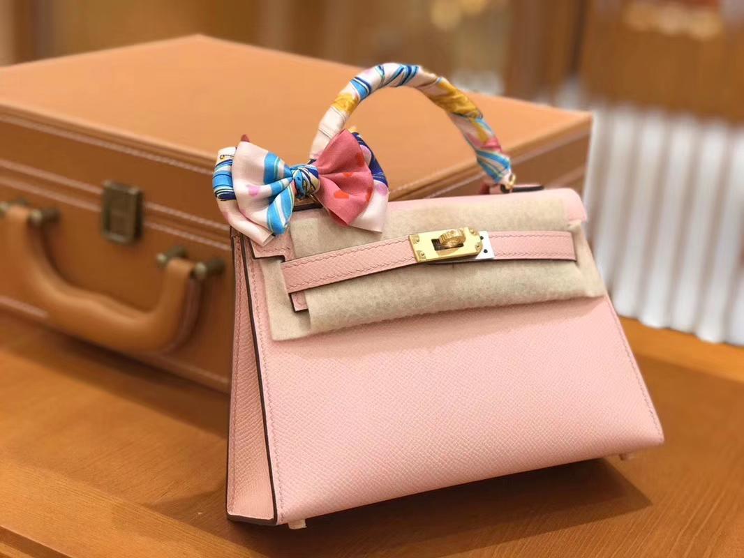 Hermès(爱马仕)Mini kelly 奶昔粉 掌纹小牛皮 全手工缝制 臻品级别 19cm 金扣 现货