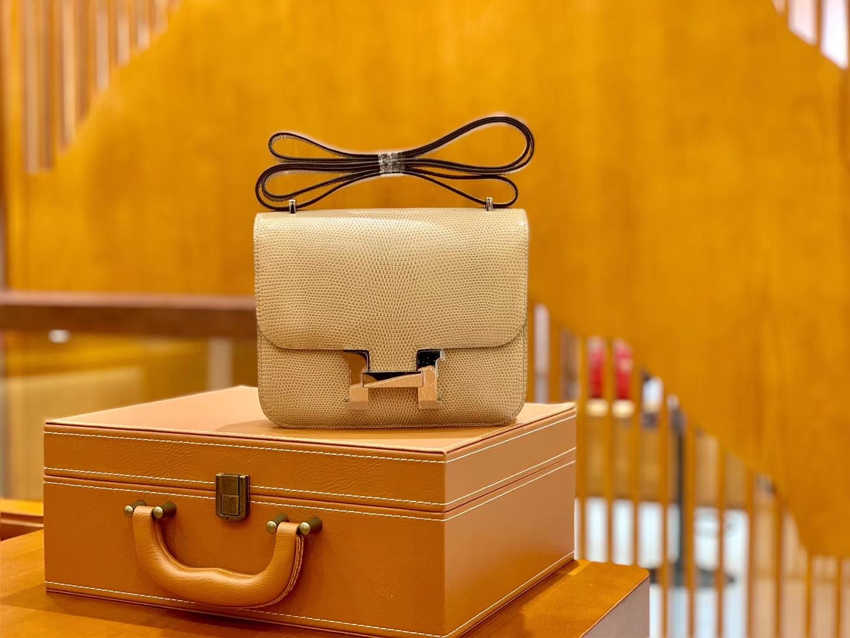 Hermès(爱马仕)Constance 空姐包 杏色 野生蜥蜴 臻品级别 银扣 18cm