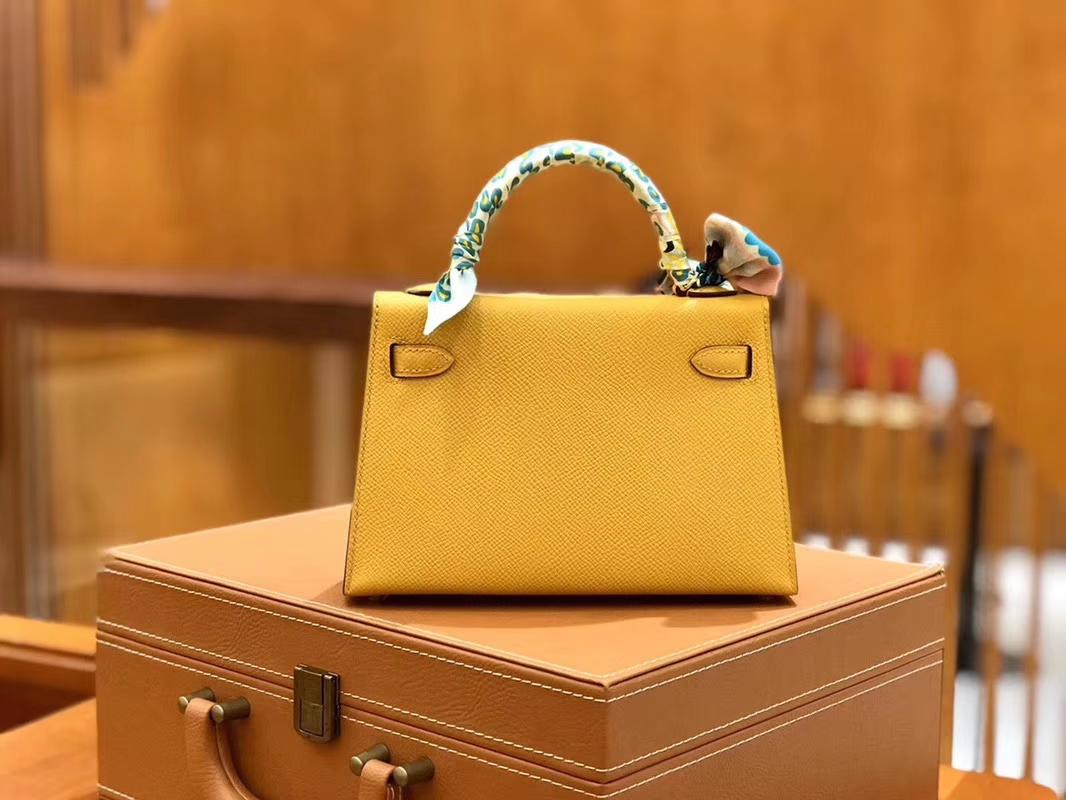 Hermès(爱马仕)Mini kelly 迷你凯莉 琥珀黄 掌纹小牛皮 全手工缝制 臻品级别 银扣 19cm 现货