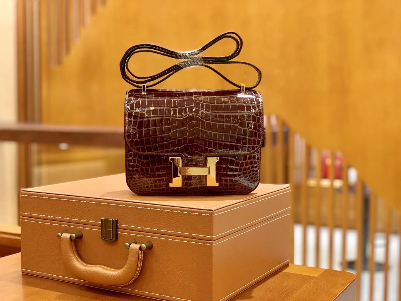 Hermès(爱马仕)Constance 空姐包 摩卡 一级美洲亮面鳄鱼皮 臻品级别 金扣 18cm