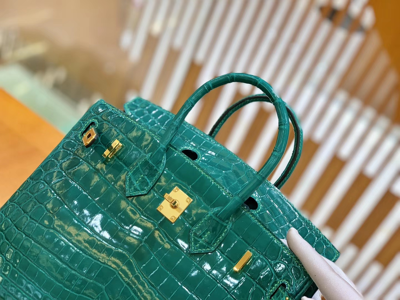 Hermès(爱马仕)Birkin 铂金包 翡翠绿 一级皮 尼罗鳄鱼皮 臻品级别 金扣 25cm