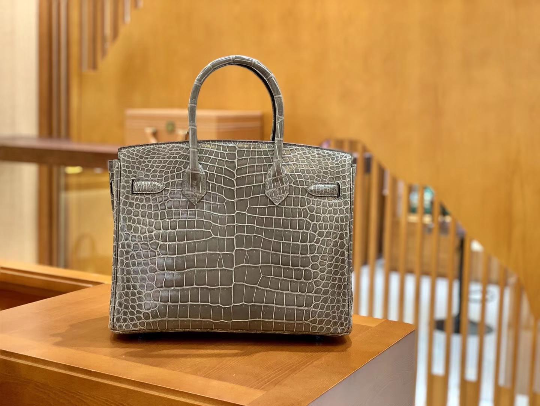 Hermès(爱马仕)Birkin 铂金包 斑鸠灰 倒V 一级皮 湾鳄鱼皮 臻品级别 银扣 30cm