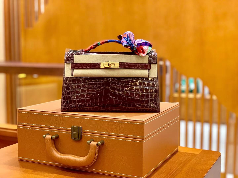 Hermès(爱马仕)Mini Kelly 迷你凯莉 波尔多酒红 一级尼罗鳄鱼皮 全手工缝制 金扣 22cm