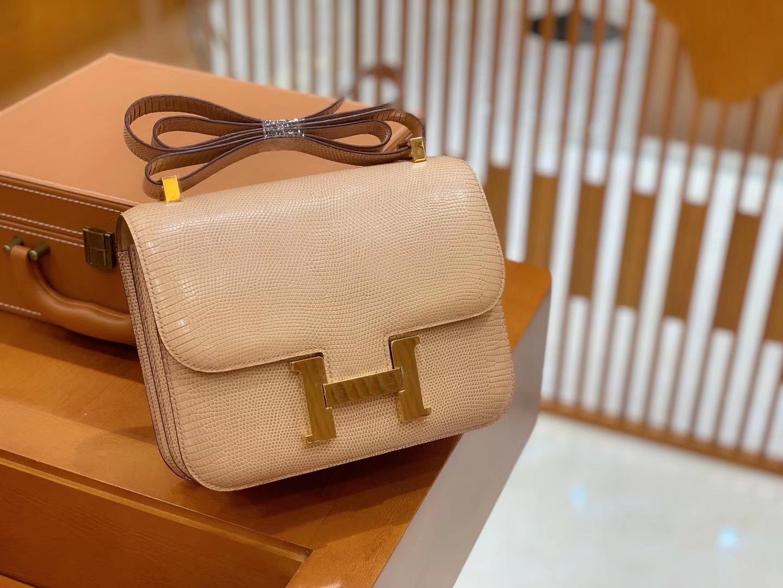 Hermès(爱马仕)Constance 空姐包 杏色 野生蜥蜴皮 全手工缝制 23cm 金扣 现货