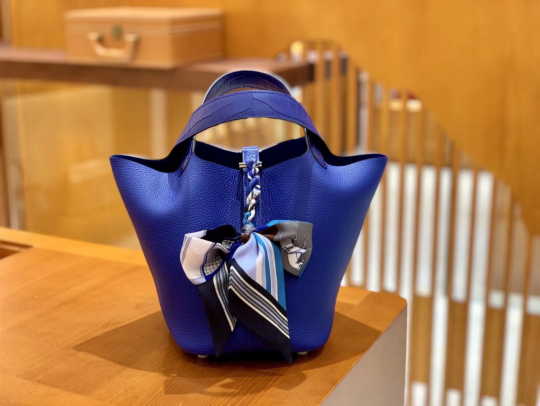 Hermès(爱马仕)Piction 18cm 琉璃蓝 银扣 鳄鱼皮拼牛皮 全手工缝制 现货