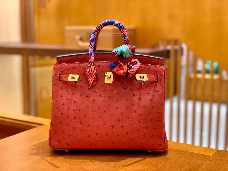 Hermès(爱马仕)Birkin 铂金包 红色 鸵鸟皮 手缝工艺 金扣 25cm 现货