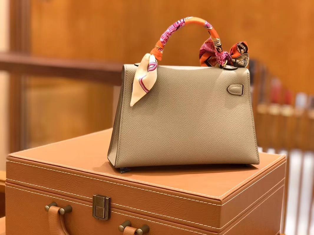 Hermès(爱马仕)Mini kelly 斑鸠灰 掌纹小牛皮 全手工缝制 臻品级别 19cm 金扣 现货