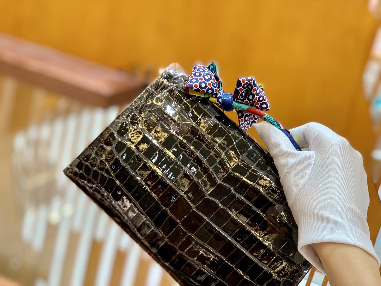 Hermès(爱马仕)Mini Kelly 迷你凯莉 经典黑 一级尼罗鳄鱼皮 全手工缝制 银扣 22cm