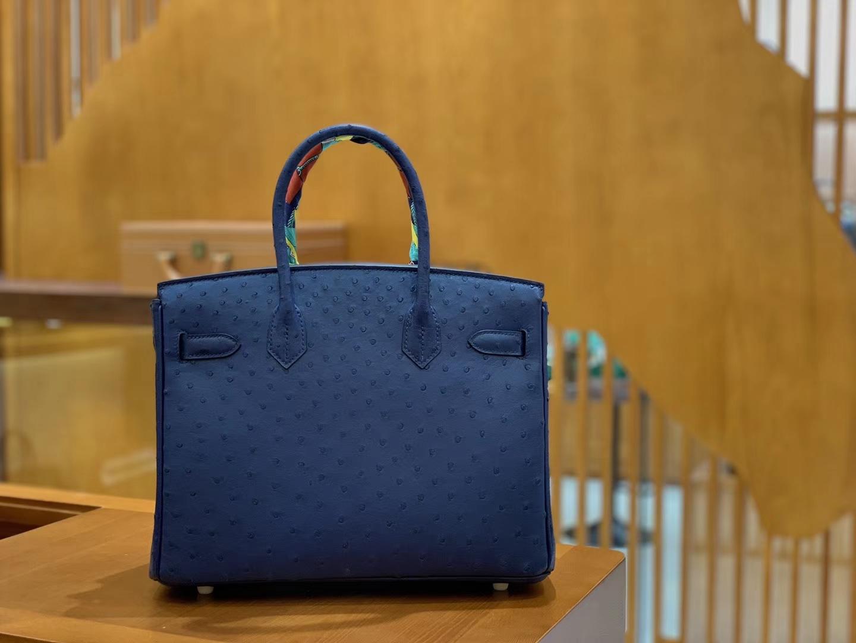 Hermès(爱马仕)Birkin 铂金包 深蓝色 鸵鸟皮 手缝工艺 金扣 30cm 现货