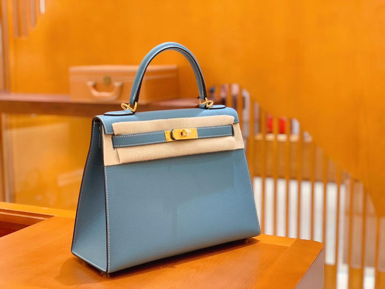 Hermès(爱马仕)Kelly 凯莉包 牛仔蓝 掌纹牛皮 进口原料 臻品级别 金扣 28cm 现货