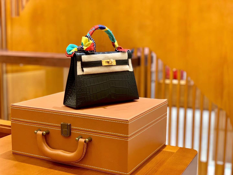 Hermès(爱马仕)MiniKelly 迷你凯莉 经典黑 一级美洲鳄鱼皮 雾面 臻品级别 金扣 19cm 2代