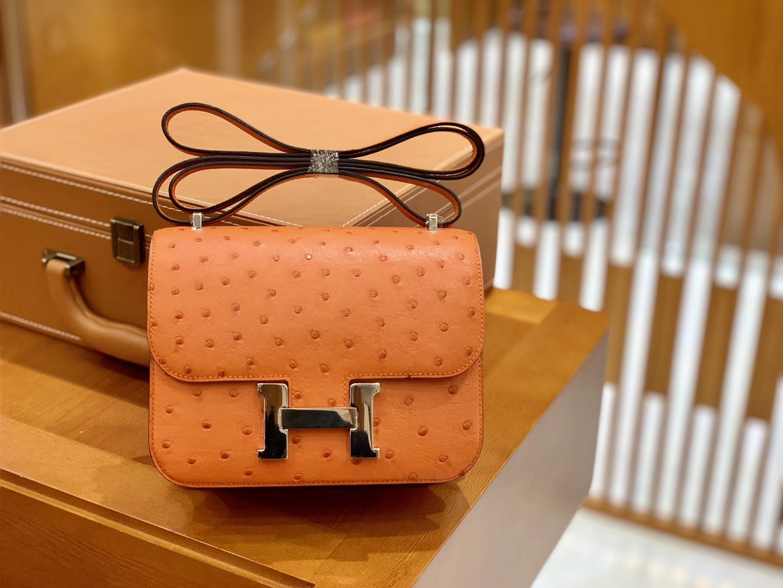 Hermès(爱马仕)Constance 18cm 经典橙 银扣 南非进口KK鸵鸟 全手工缝制