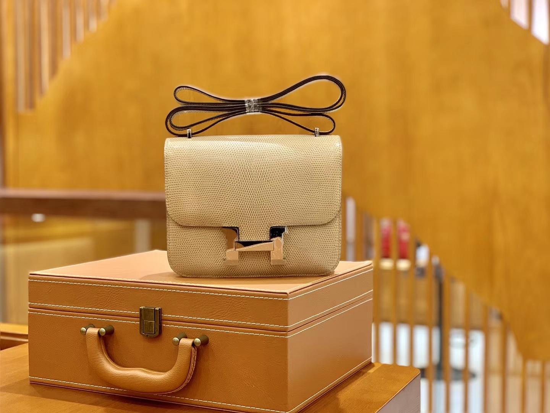 Hermès(爱马仕)Constance 18cm 杏色 银扣 南非野生蜥蜴皮 全手工缝制