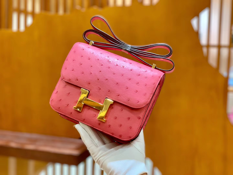 Hermès(爱马仕)Constance 18cm 陶瓷粉 樱花粉 金扣 南非进口KK鸵鸟 全手工缝制